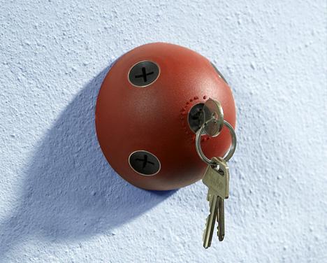 (via  Hemispherical Wall-Mount Key Storage to Keep Keys Handy | Designs & Ideas on Dornob )