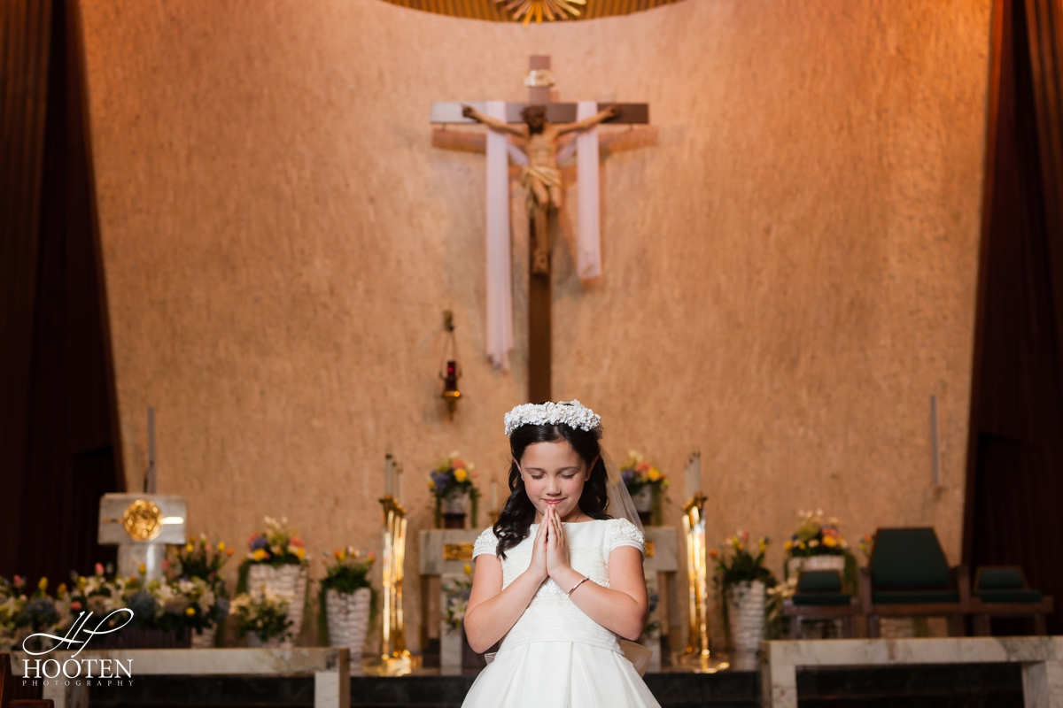 Immaculate-Conception-Catholic-Church-Communion-Portrait-Session-Hooten-Photography-1.jpg