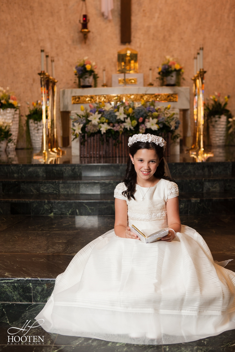 Immaculate-Conception-Catholic-Church-Communion-Portrait-Session-Hooten-Photography-2.jpg