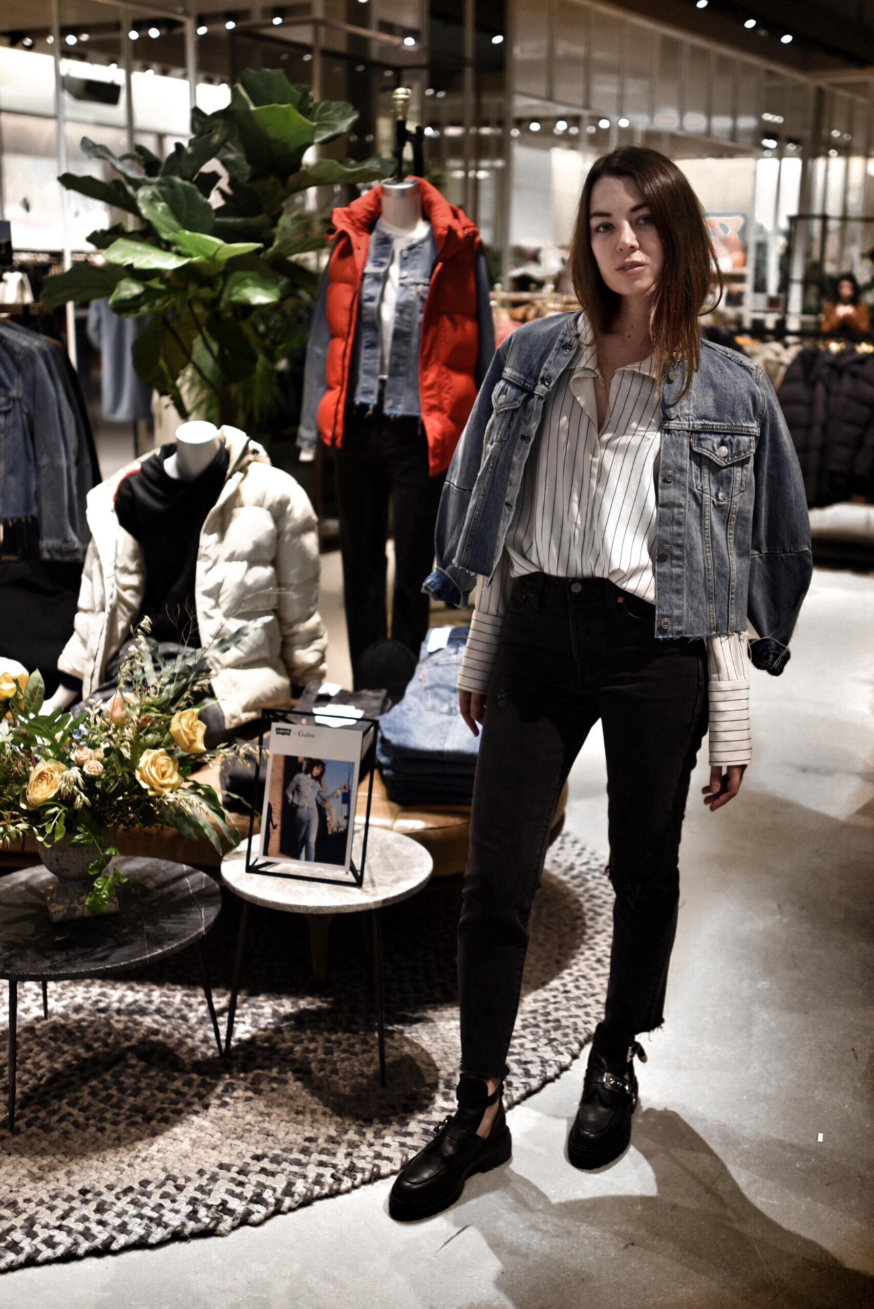 Aritzia Teamed Up with Levi's for a Denim Collection. - And I was over at Yorkdale Shopping Centre at the Aritzia store to celebrate the launch of the new collaboration!Did you catch my takeover on Aritzia's Instagram stories yesterday? With two styles and four exclusive washes of vintage inspired Levi's denim, I couldn't help but try them all on. Jeans are my go-to everyday. So I'm all about this collab. And today I took my favourite new jeans to the streets. I'm wearing the Wedgie style in 'Forever Mine'. They are high waisted, and the perfect faded black wash. Obsessed!You can shop the collection online and in Aritzia stores!