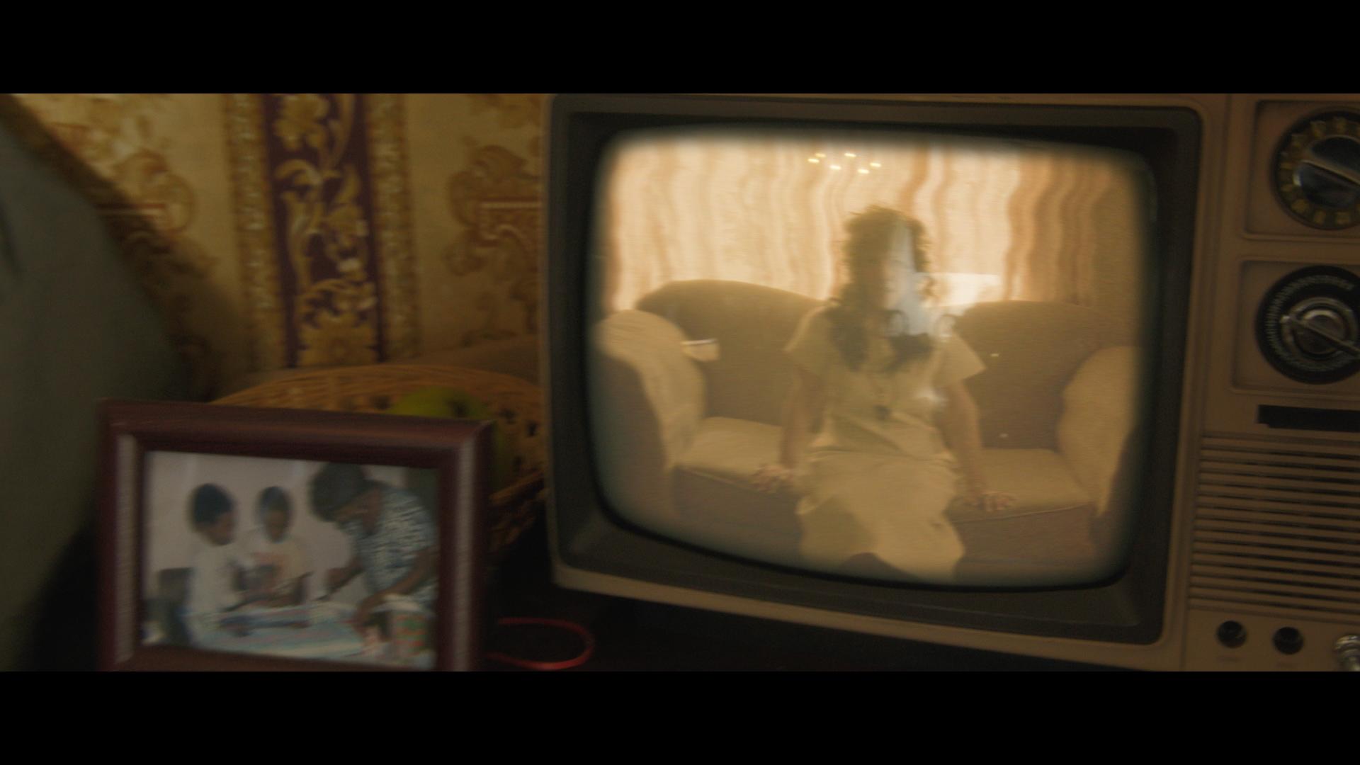 Danny Brown - 25 Bucks Explicit.00_00_25_16.Still004.jpg