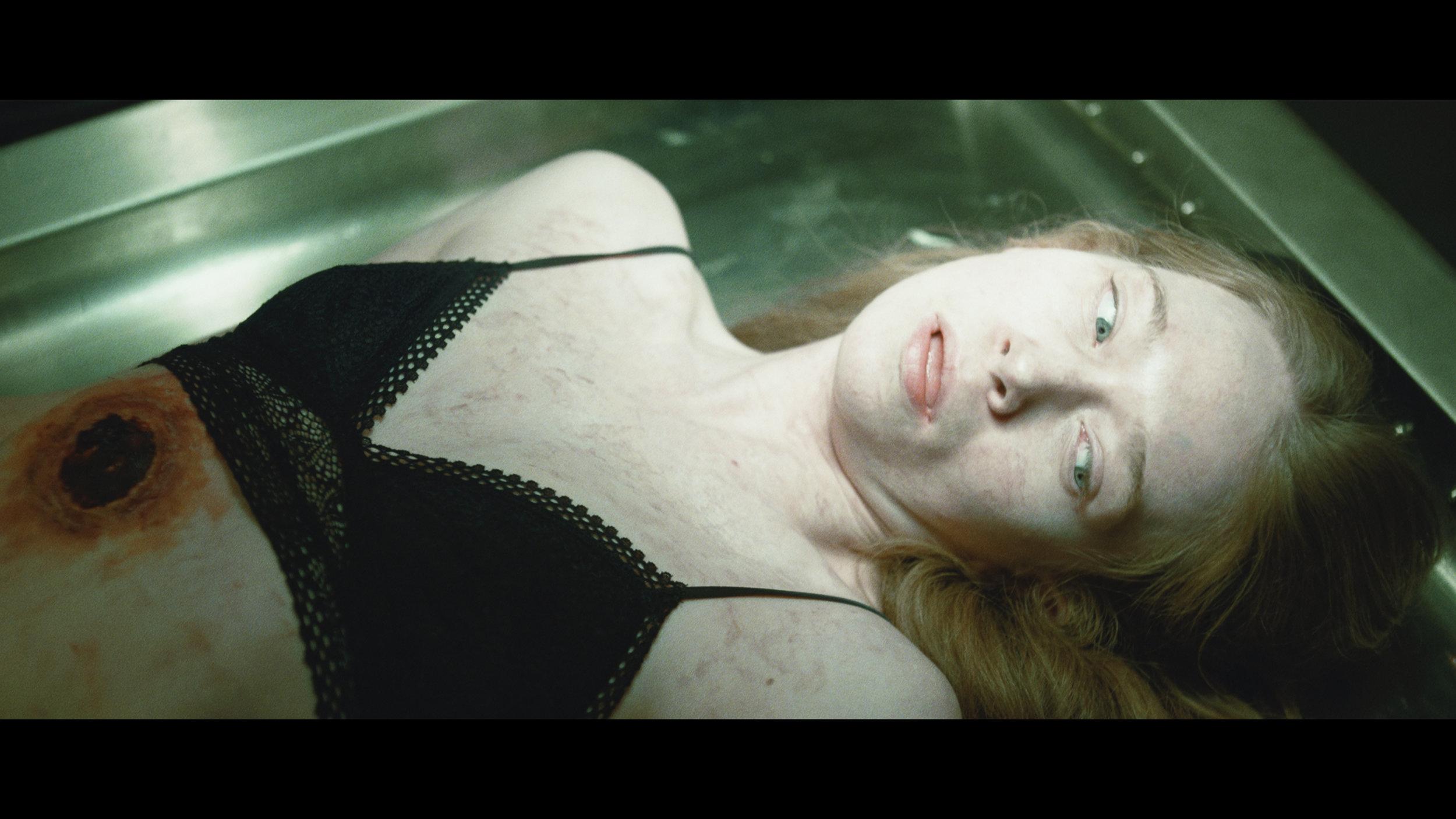 Chris Lake - I Want You 4Kconf NR HL Mar17.01_00_49_10.Still003.jpg