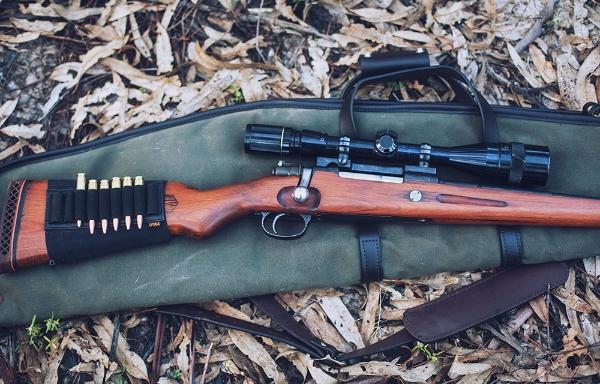 Seen here: Filson Scoped Canvas Gun Case -  Find it here.