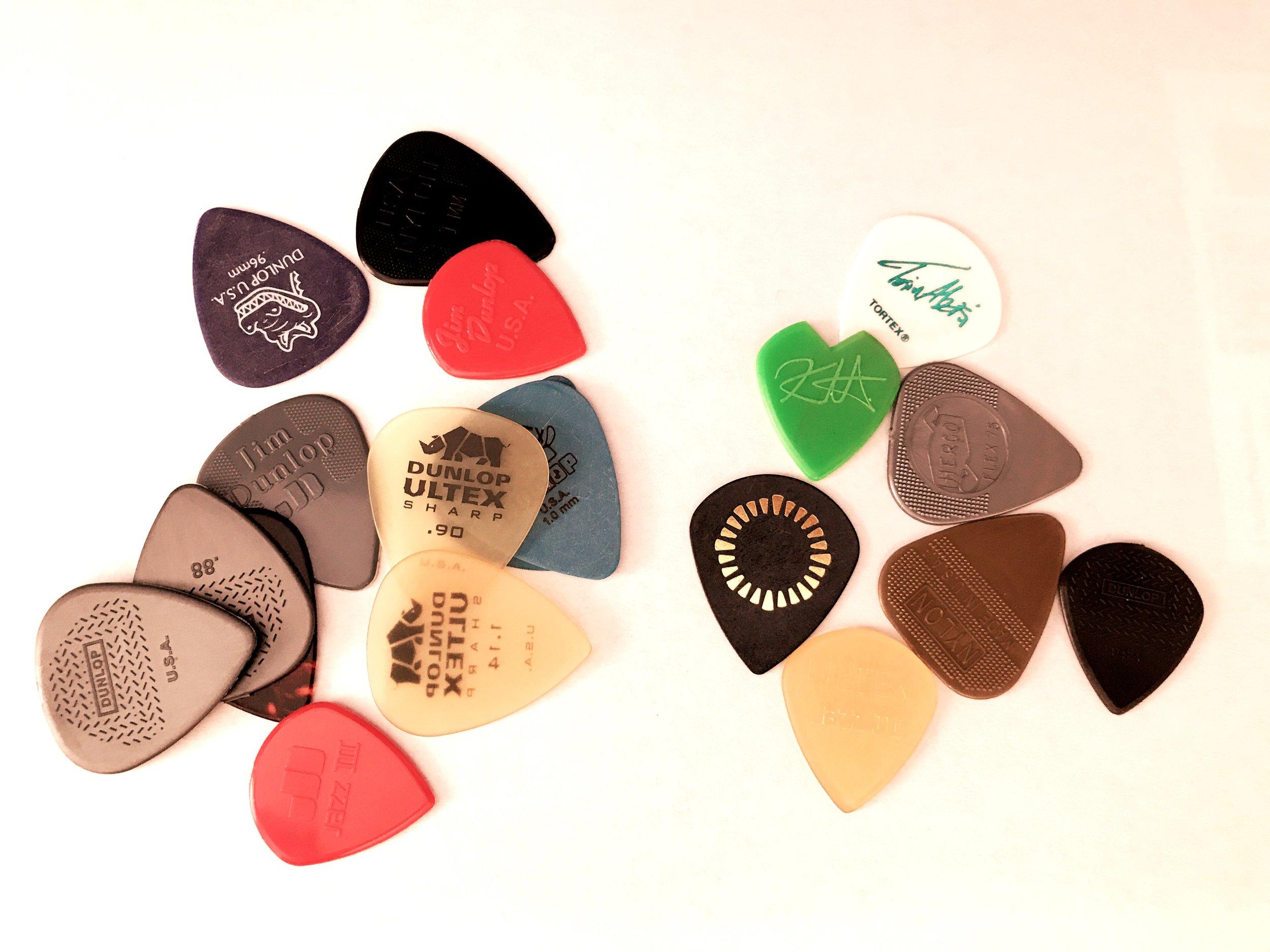 dunlop_guitar_picks.jpeg