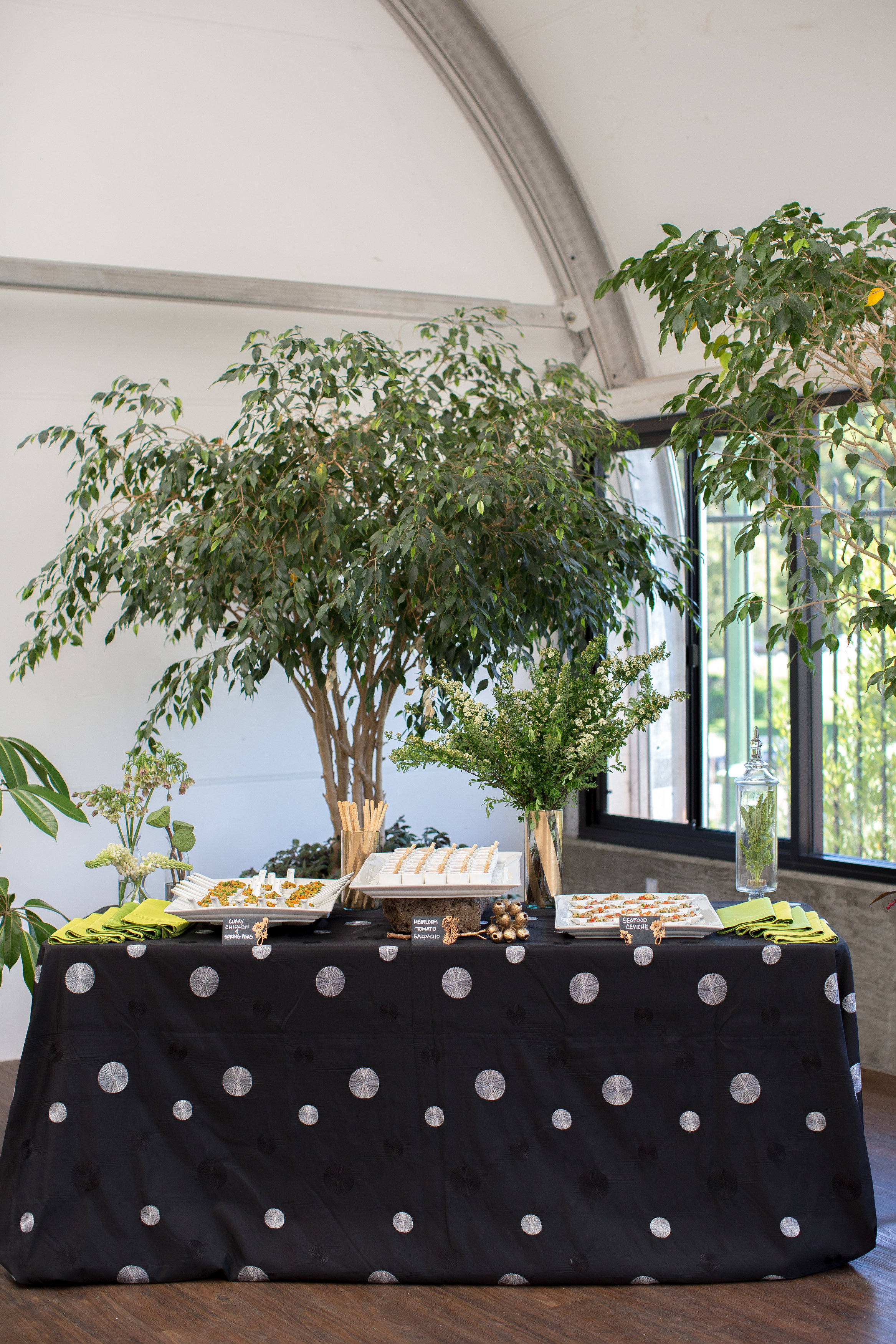 JennaBethPhotography-LGWConservatory-buffett-table-set-up-black-white.jpg