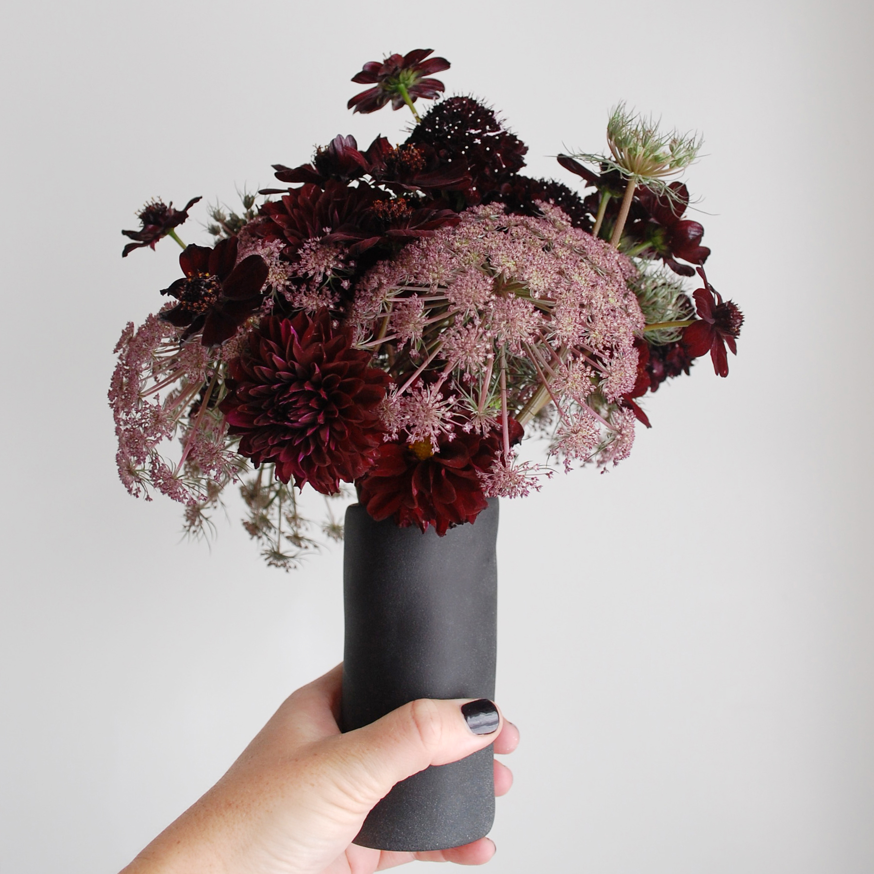 Black_Red_Flowers_Arrangement_Halloween.jpg