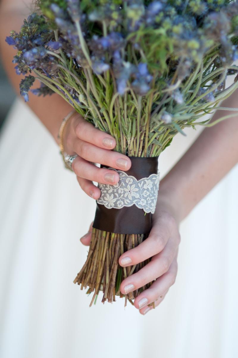 Bride-Bouquet-Vintage-Lace-Ribbon.jpg