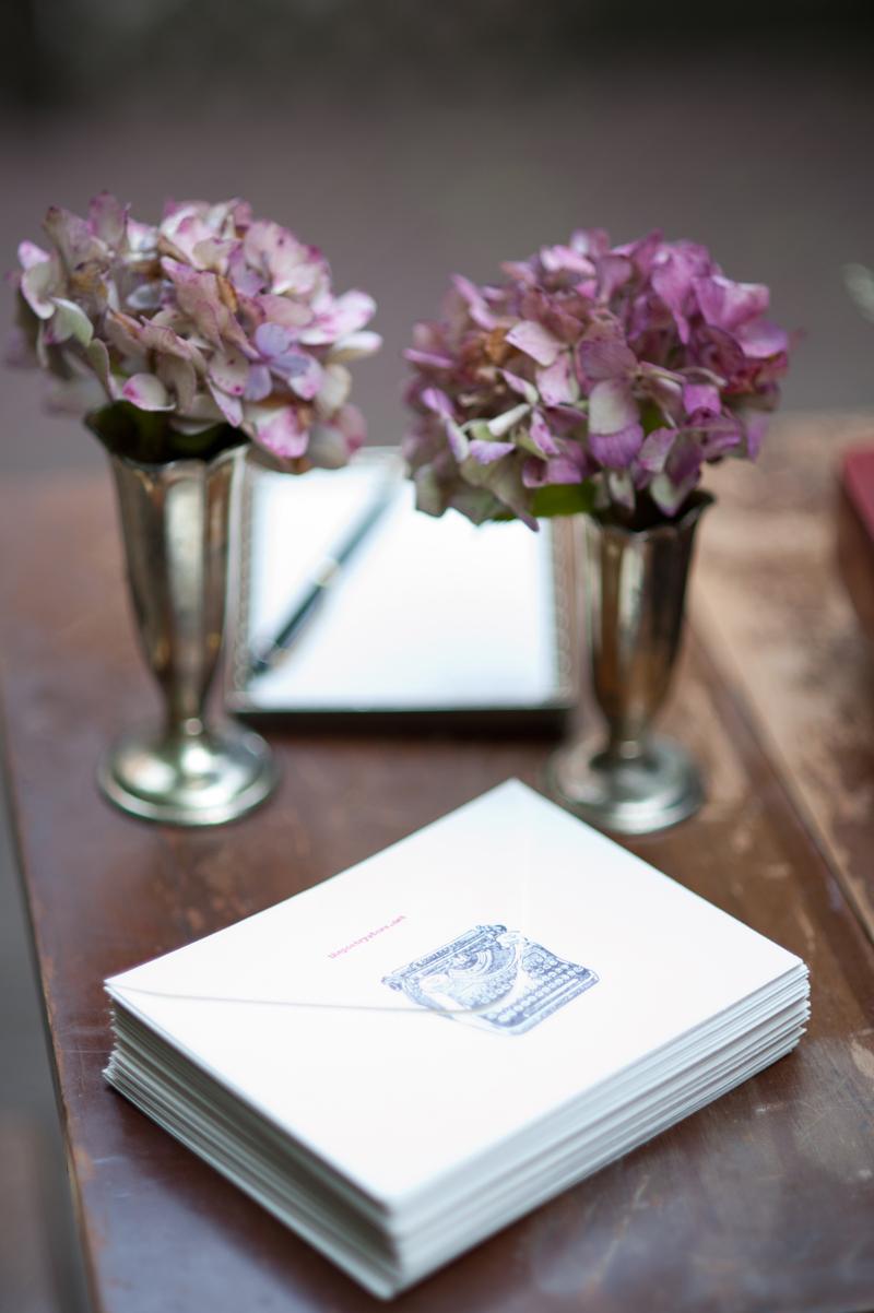 guest-table-pink-hydrangeas-wedding-lgw.jpg