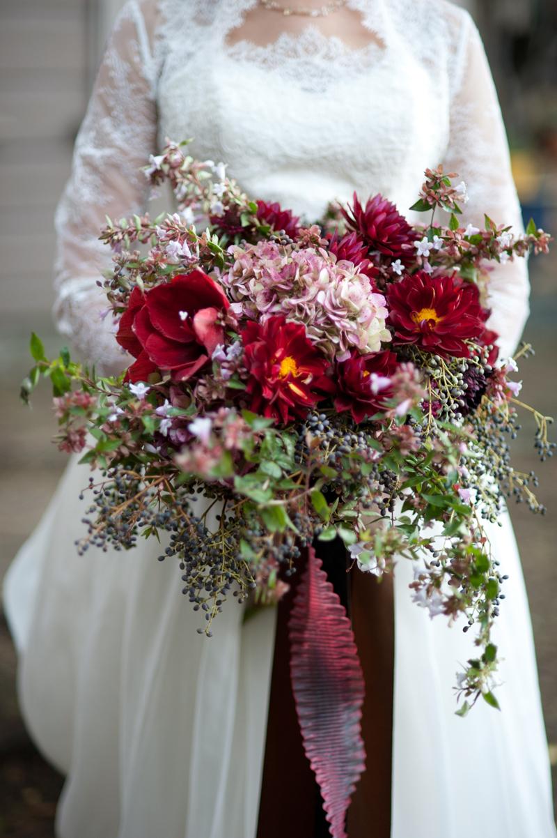 fall-wedding-bouquet-red-brown.jpg