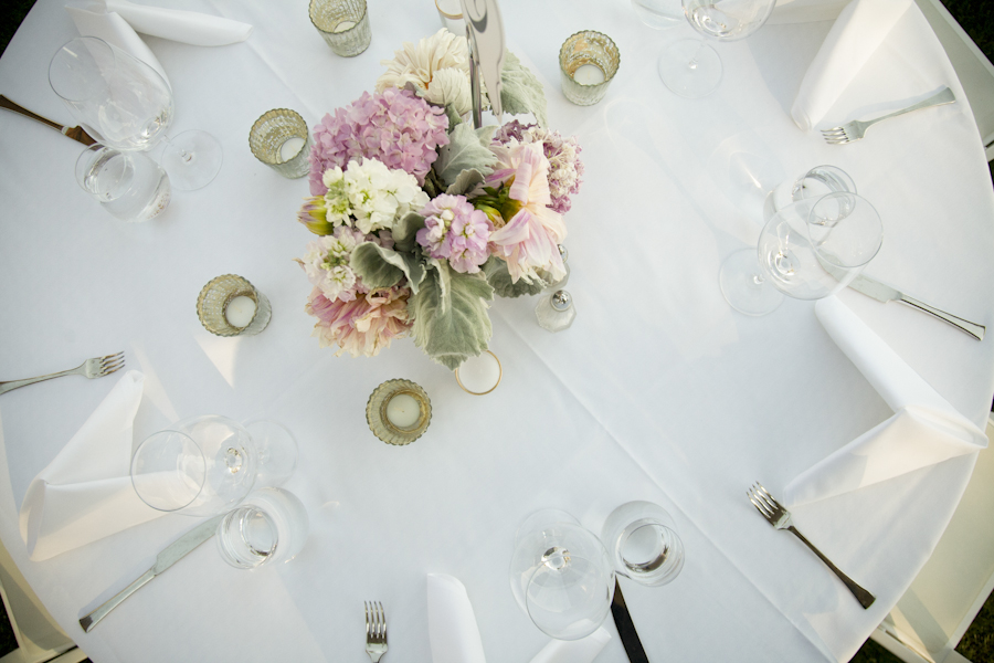 wedding-pink-centerpiece-hydrangea-photojournalism-by-helios.jpg