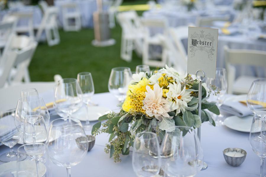 floral-centerpiece-wedding-aprk-winters.jpg
