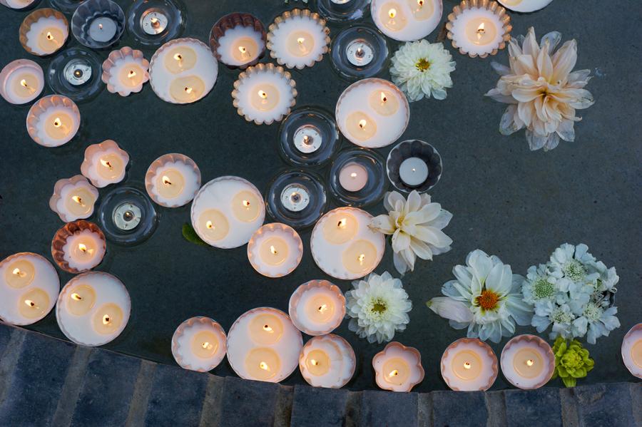 floating-candles-wedding-decor.jpg