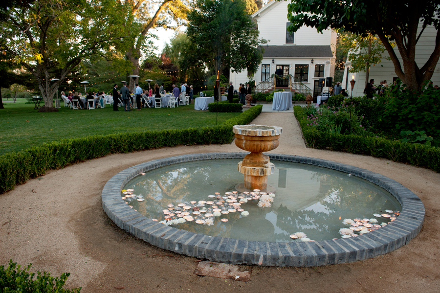 park-winters-floating-candles-wedding-trait.jpg