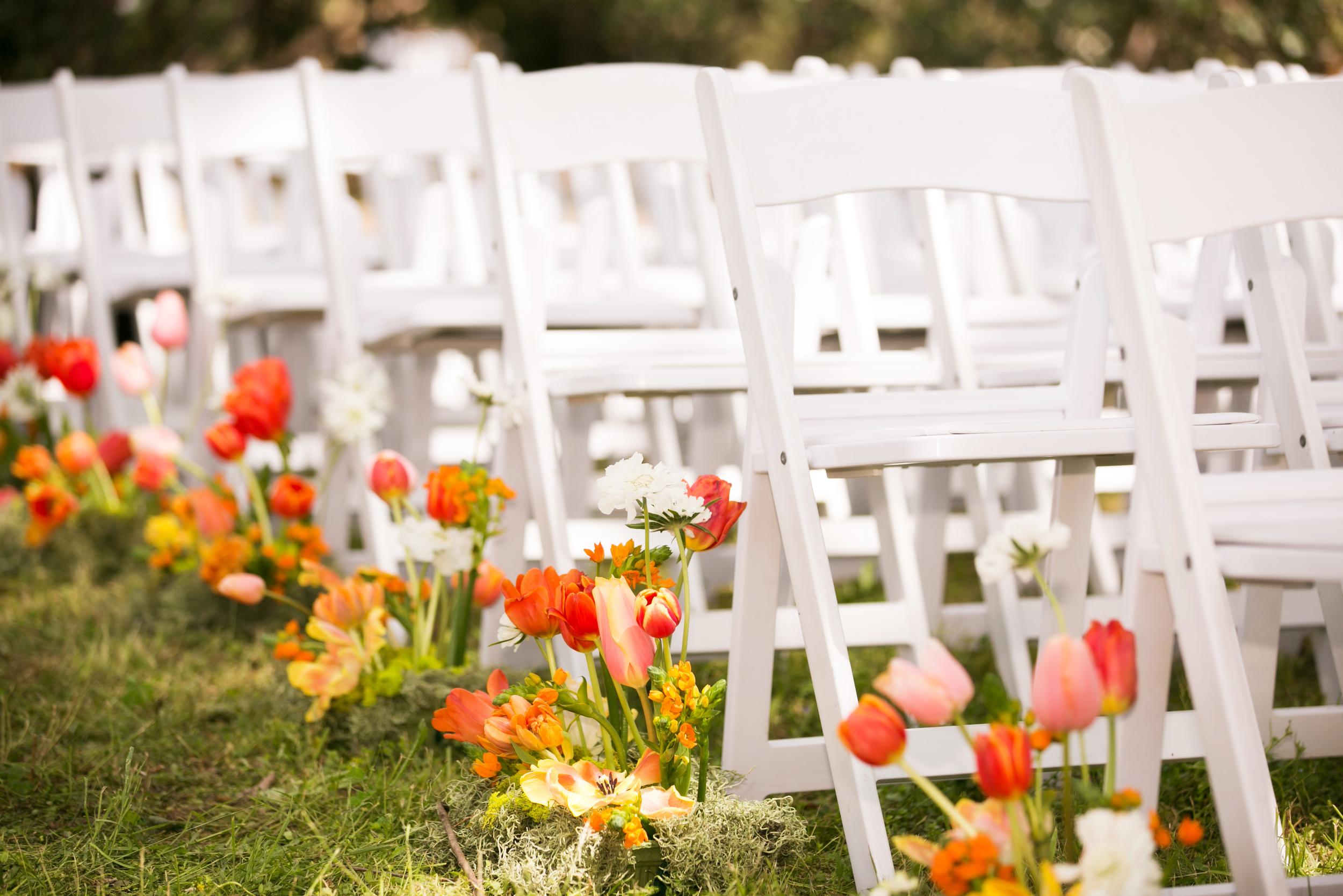 wedding-tuilps-ceremony-aisle-spring.jpg