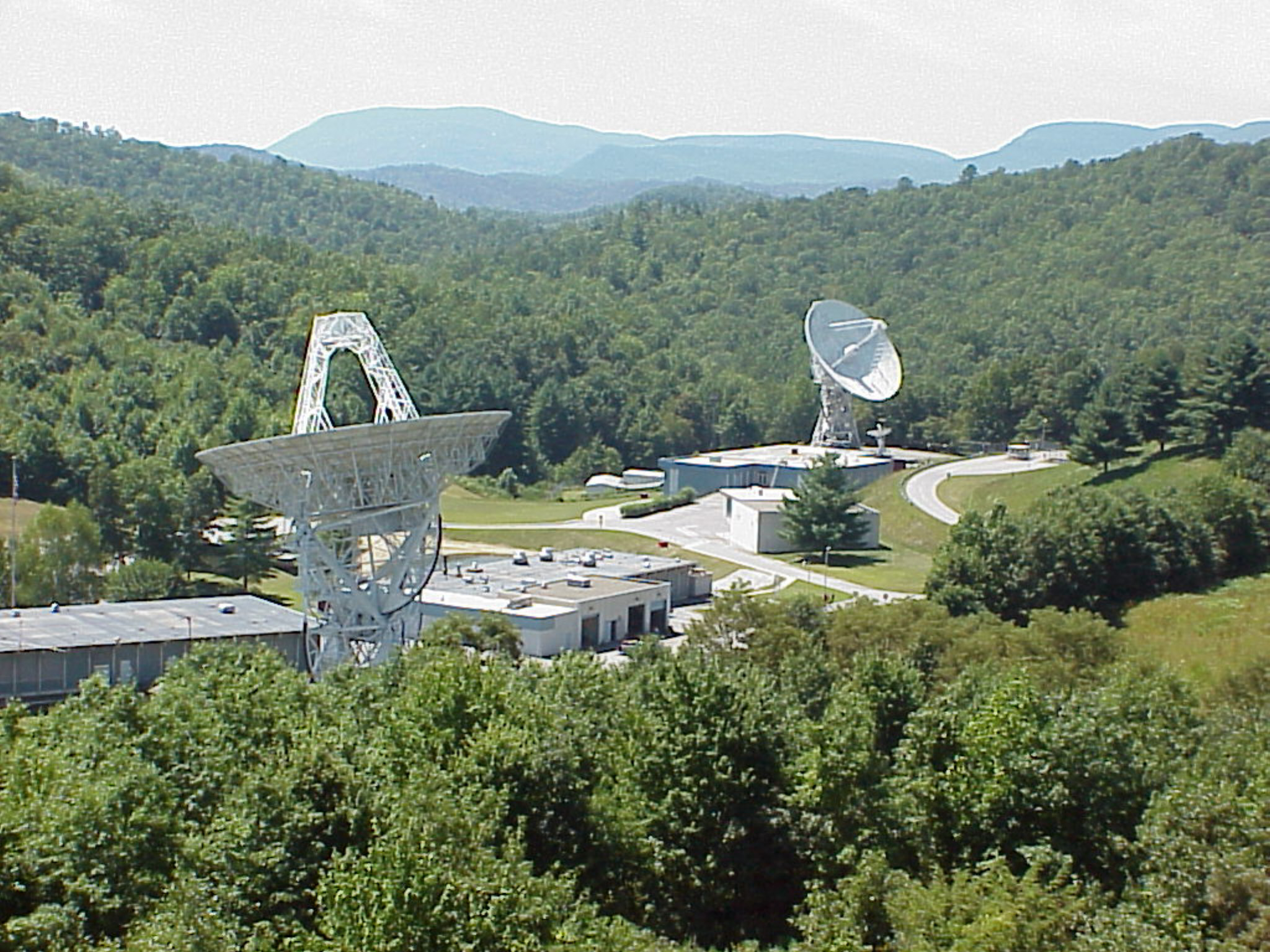 Sheltered by theAppalachian Mountains, the Pisgah Astronomical Research Institute uses its 25-meter radio telescopes for astronomy research and education outreach.  Source:  Pisgah Astronomical Research Institute