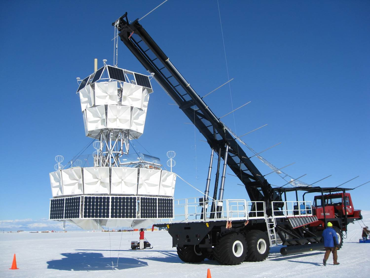 Sending a multi-ton science payload into the stratosphere is hard enough. Doing it in Antarctica makes it even harder. Credit: Nasa Balloon Programs Office