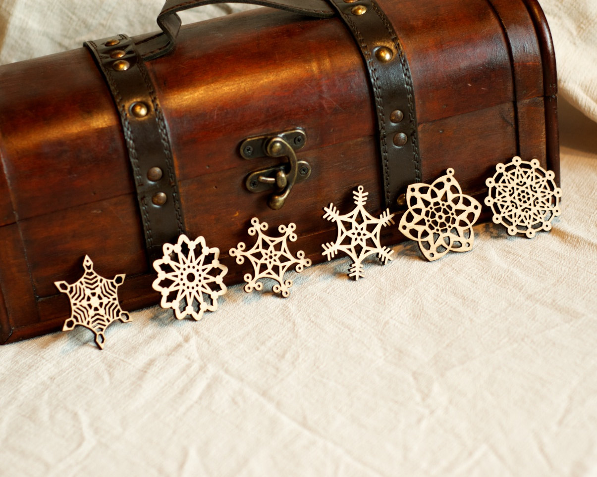Laser engraved snowflake ornaments