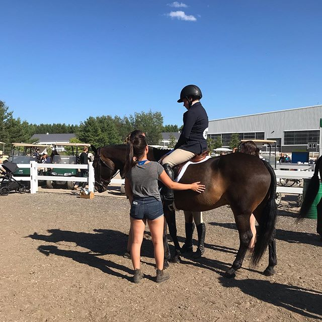 Shanice bumped into Oliver and his new little girl from Foothills Farm showing in the Shorties at Trillium Champs last week! It's so wonderful to see  our past ponies out showing ♥️