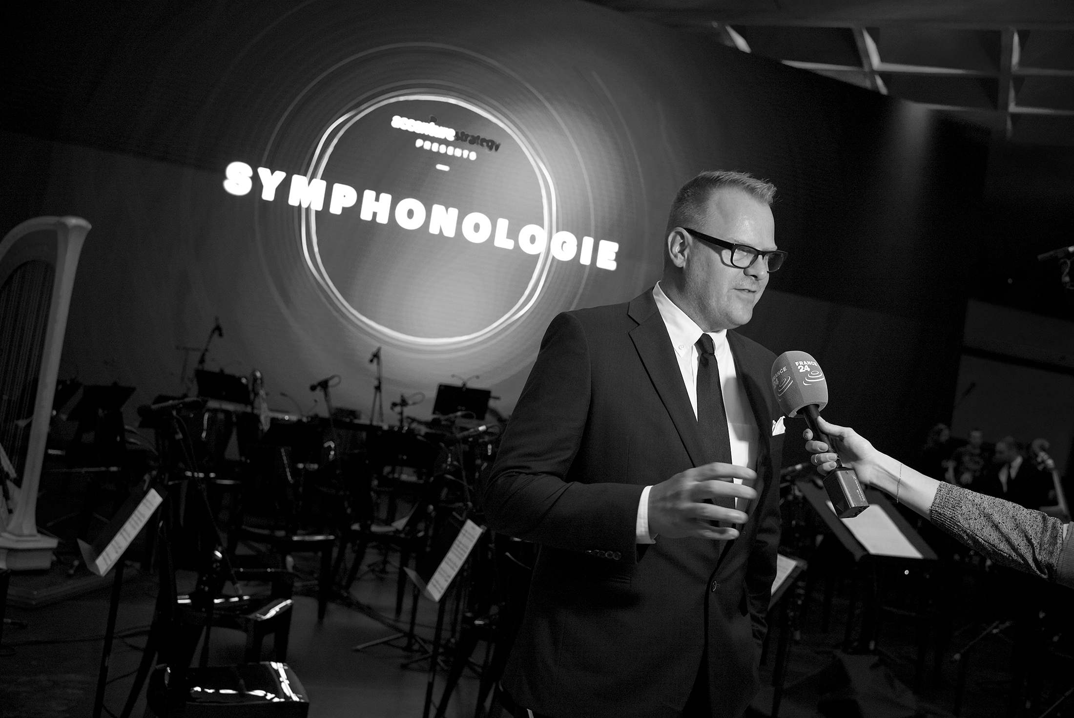 Brian Jones of Bang Music, discusses the  Symphonologie  project with French media.