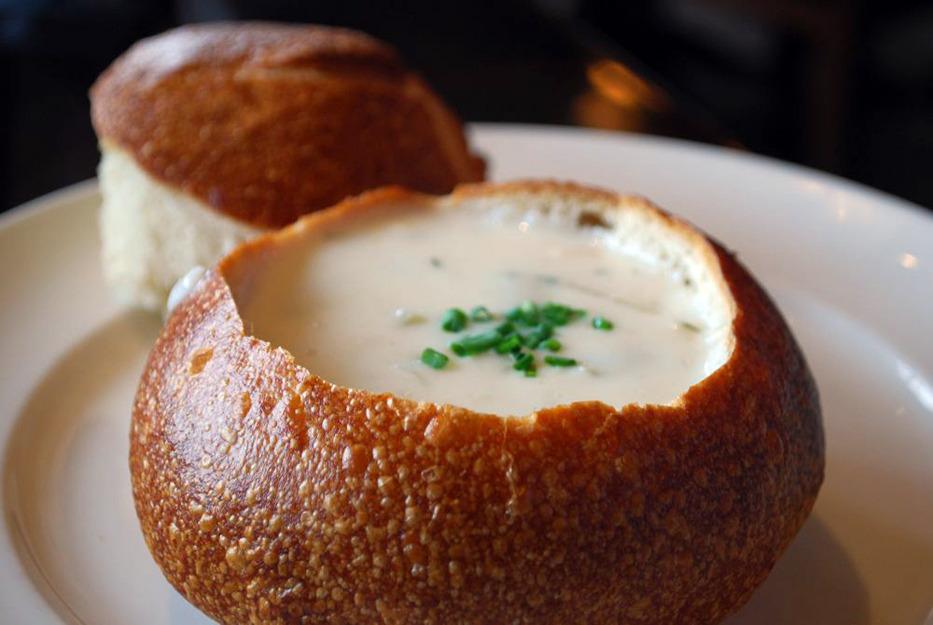 clam chowder in bread bowl.jpg