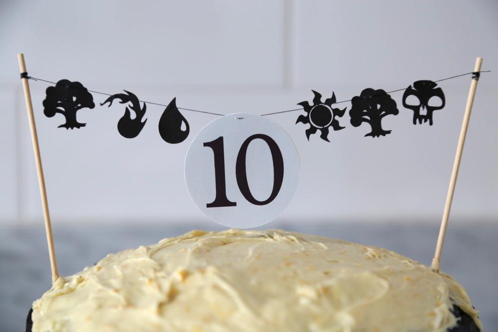 MTG mini mana garland for cake