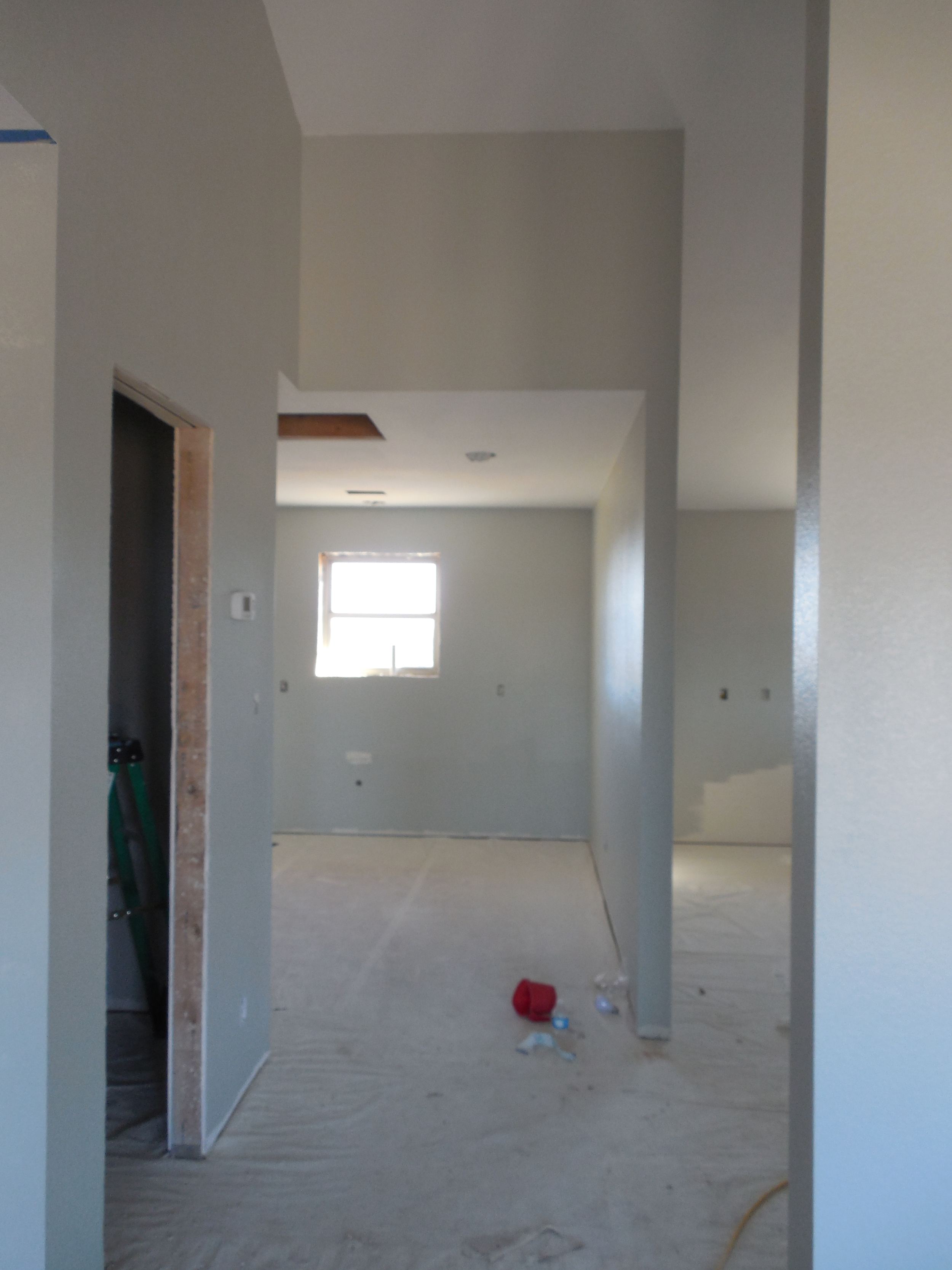 Entry to laundry room and kitchen.