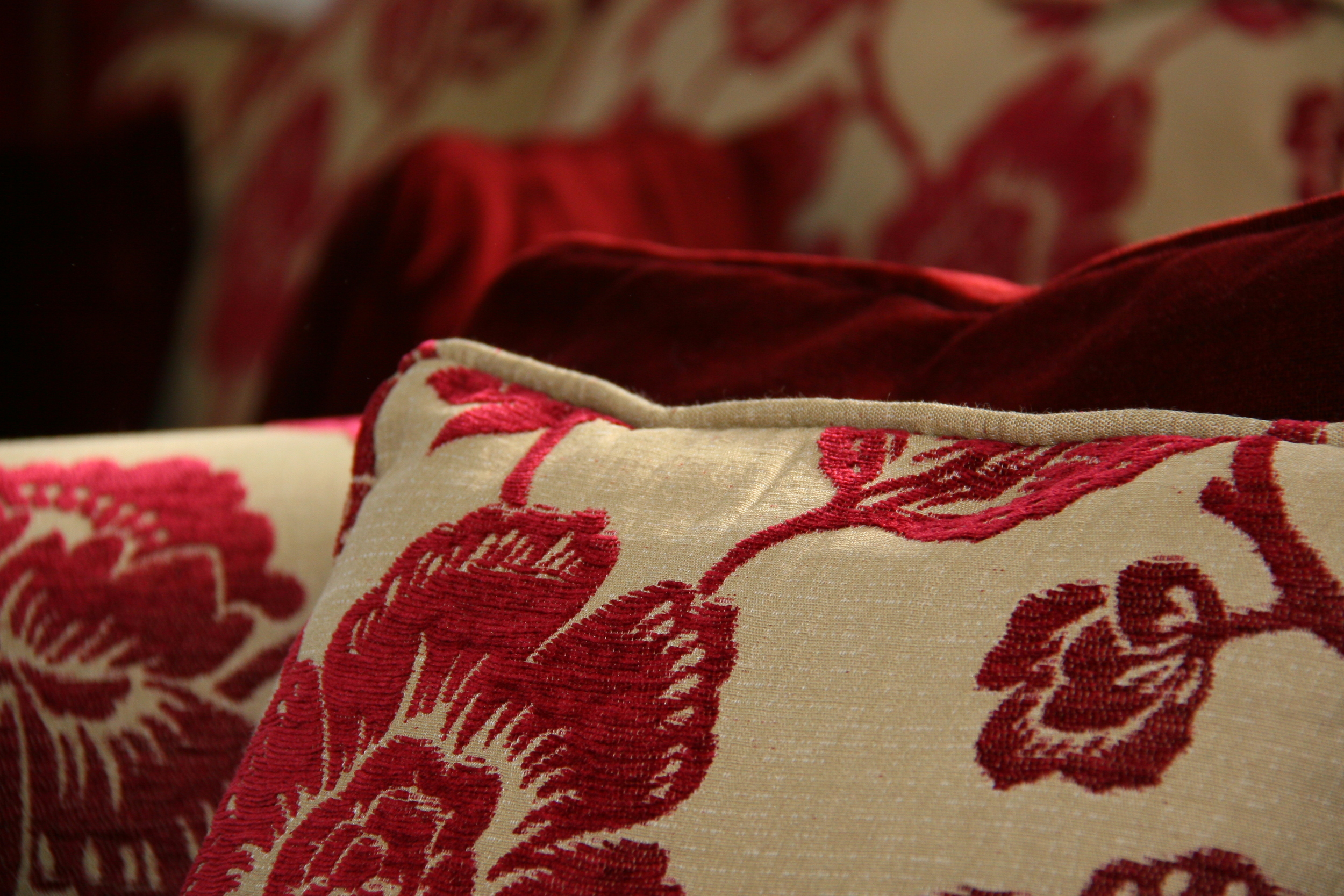 Cosy fabrics in the sitting room