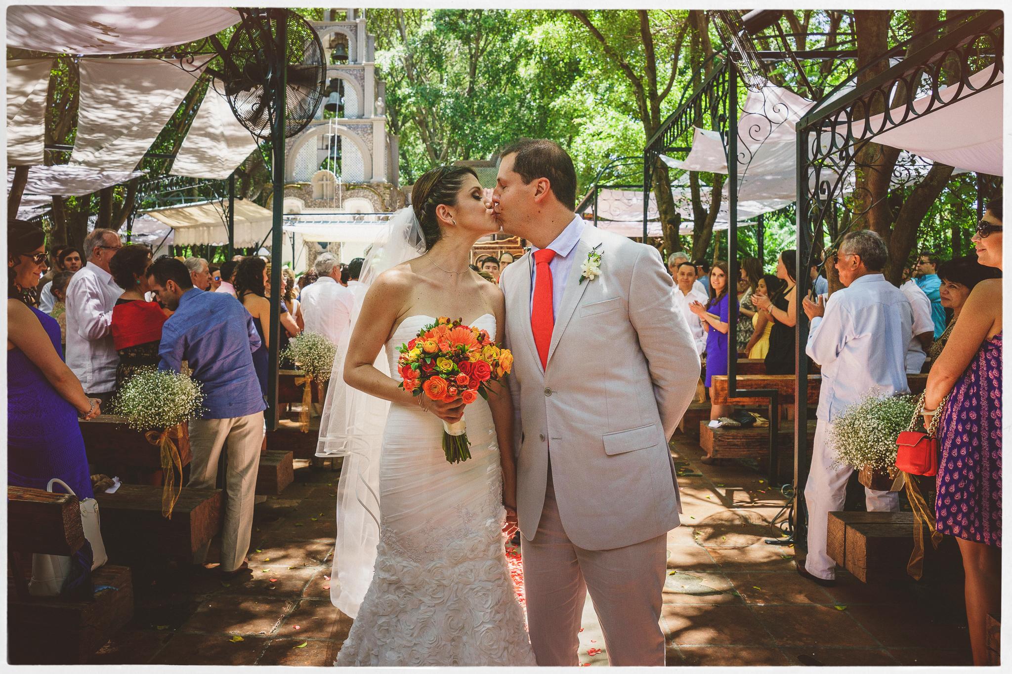 wedding-photography-mexico-quinta-rubelinas-43.jpg