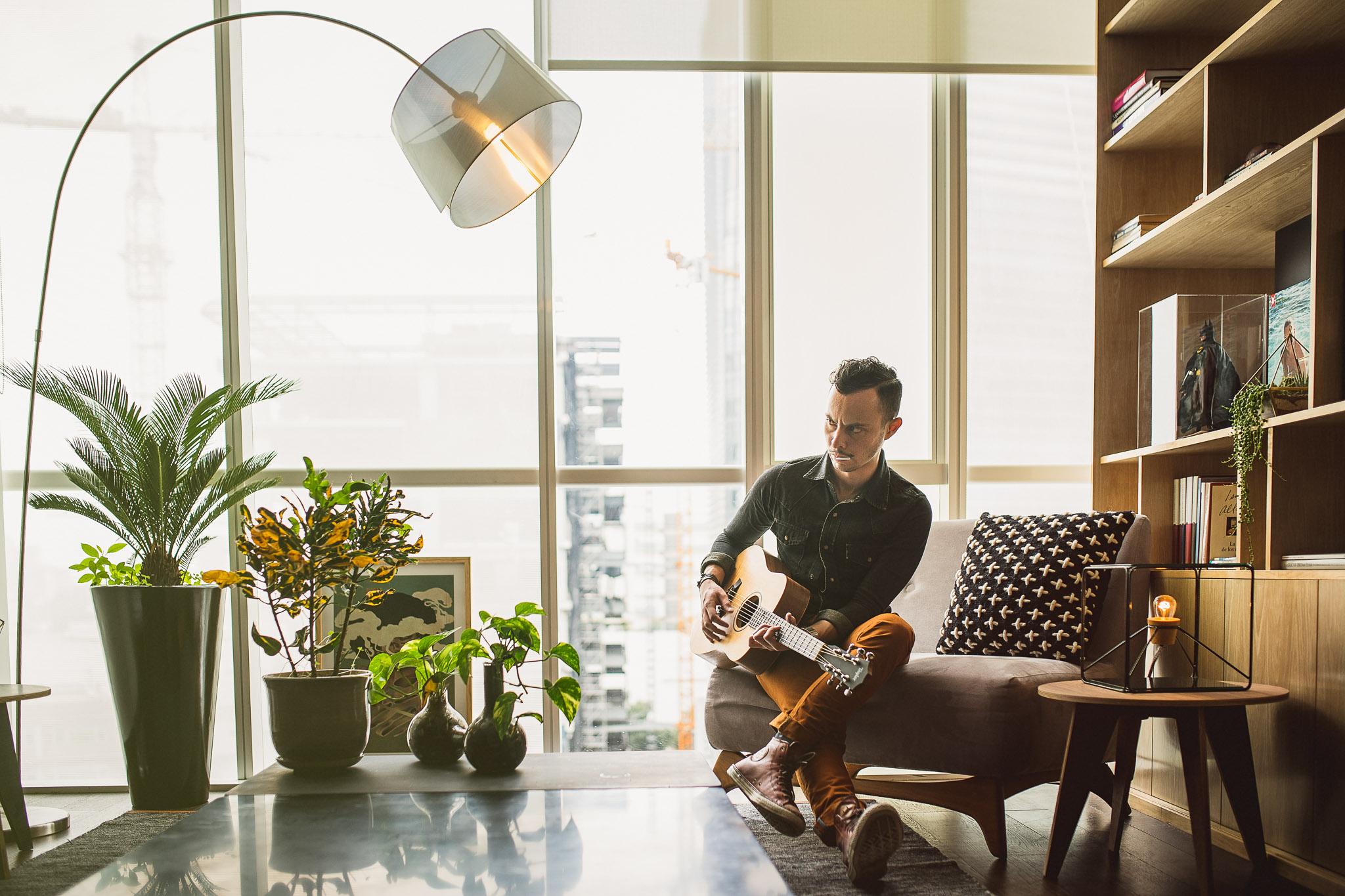 Taylor-guitar-advertising-portrait-brooks-hipster-fotografo-mexico-retrato-MaurizioSolisBroca.Photography150706DSC02901-Edit.jpg