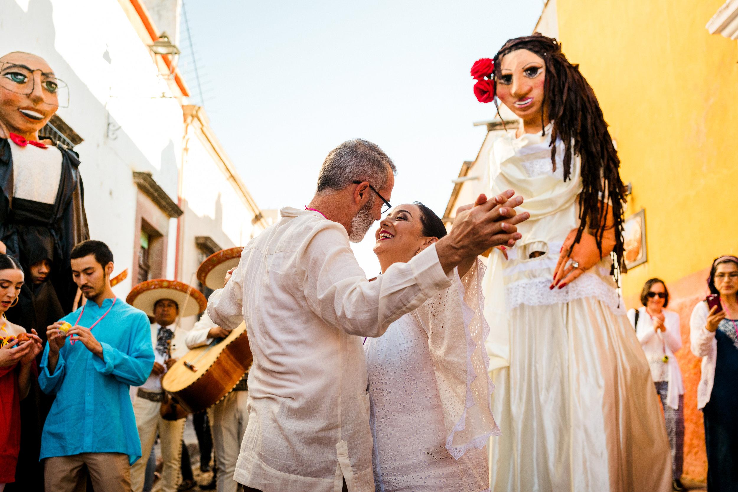 MaurizioSolisBroca-casa-carino-san-miguel-de-allende-wedding-8.jpg