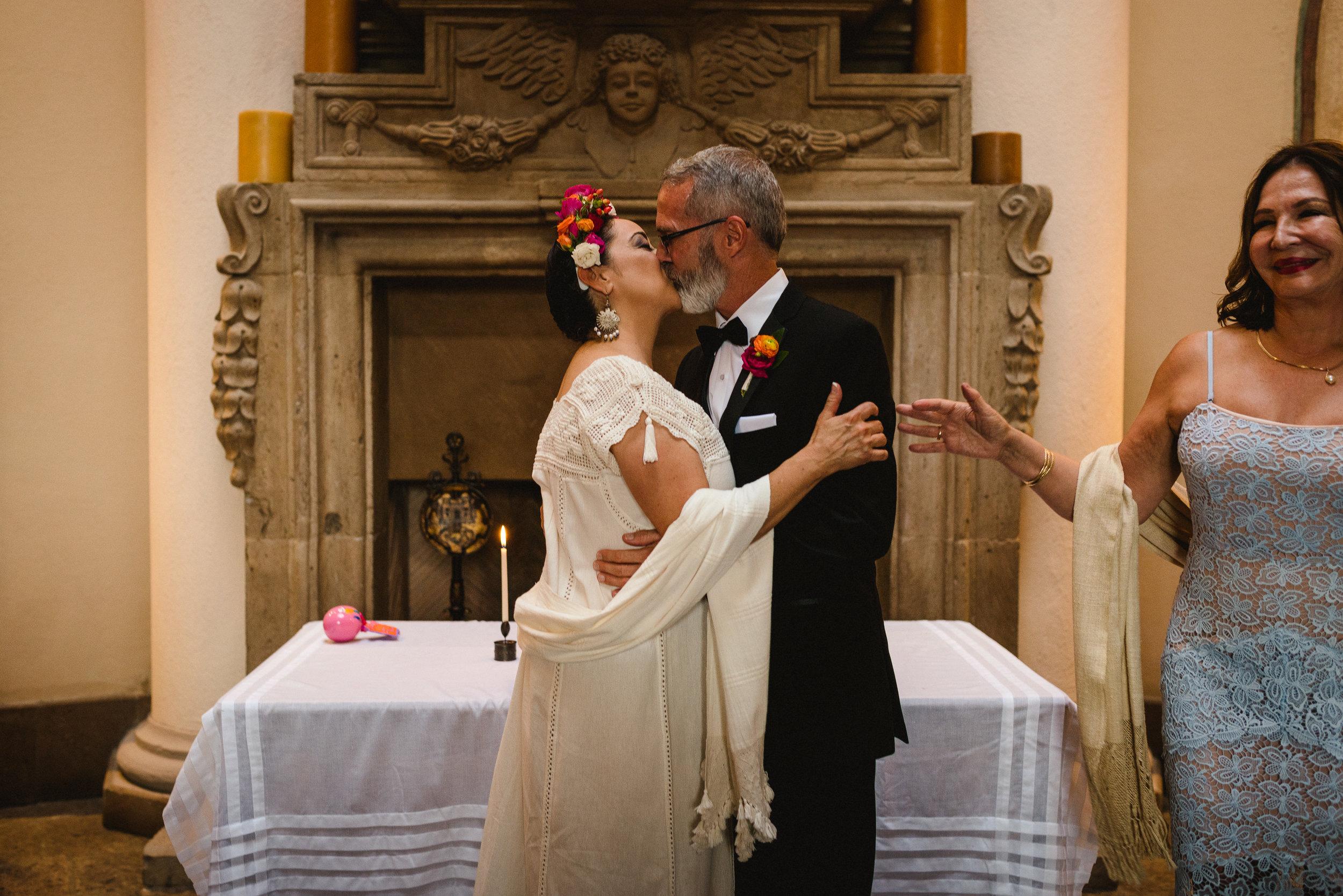 MaurizioSolisBroca-casa-carino-san-miguel-de-allende-wedding-63.jpg