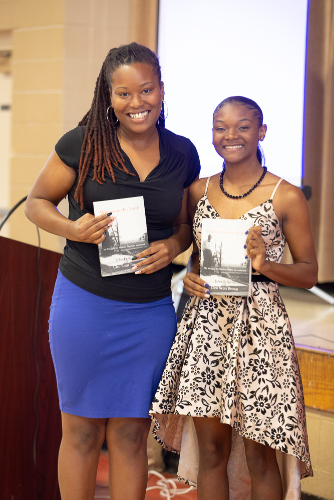 2019 1st and 2nd place scholarship recipients (left to right) Elisheba Clay and Joniah Brown