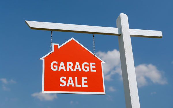 garage-sale-sign-web.jpg