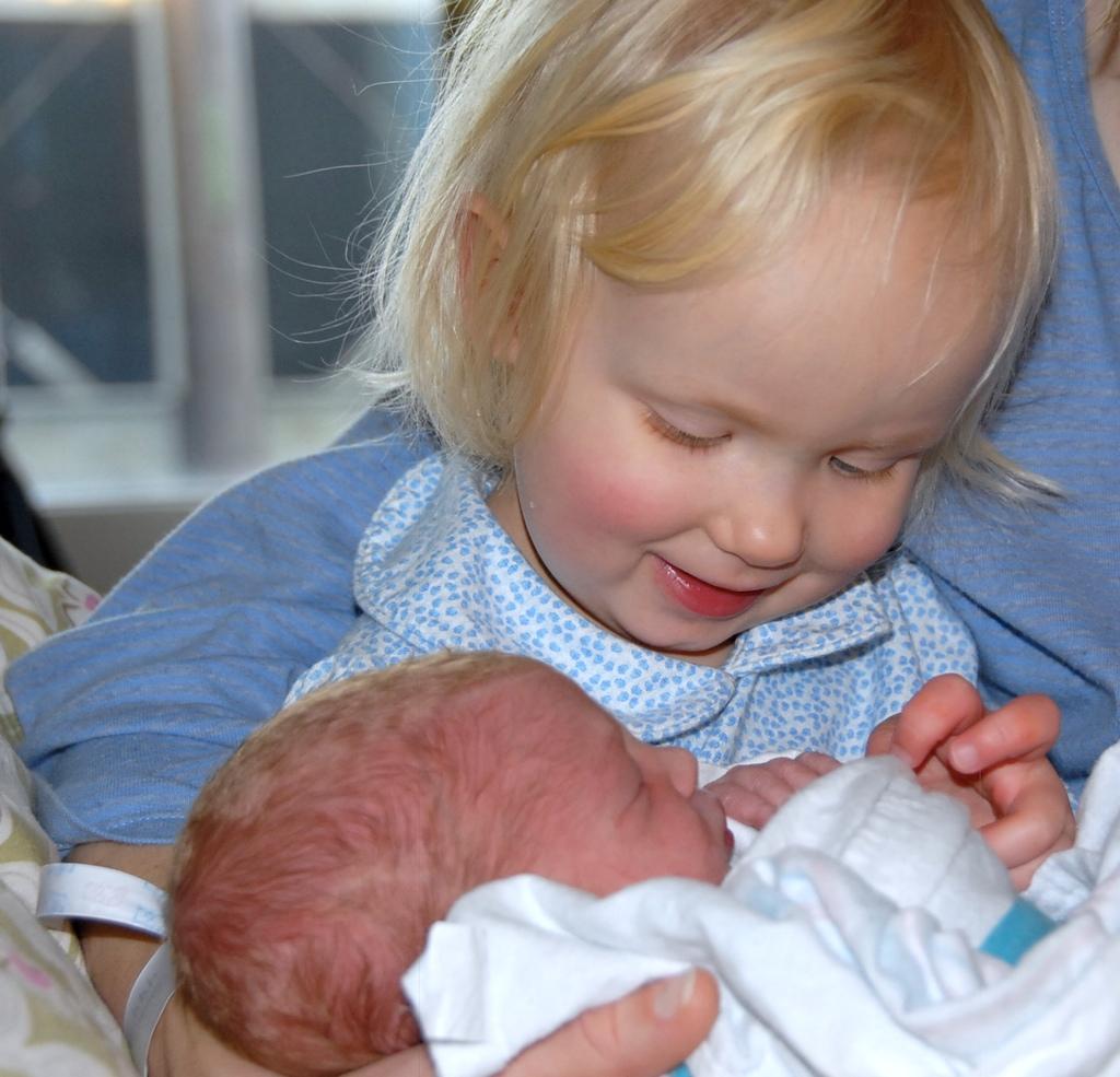 a_new_big_sister_4.jpg