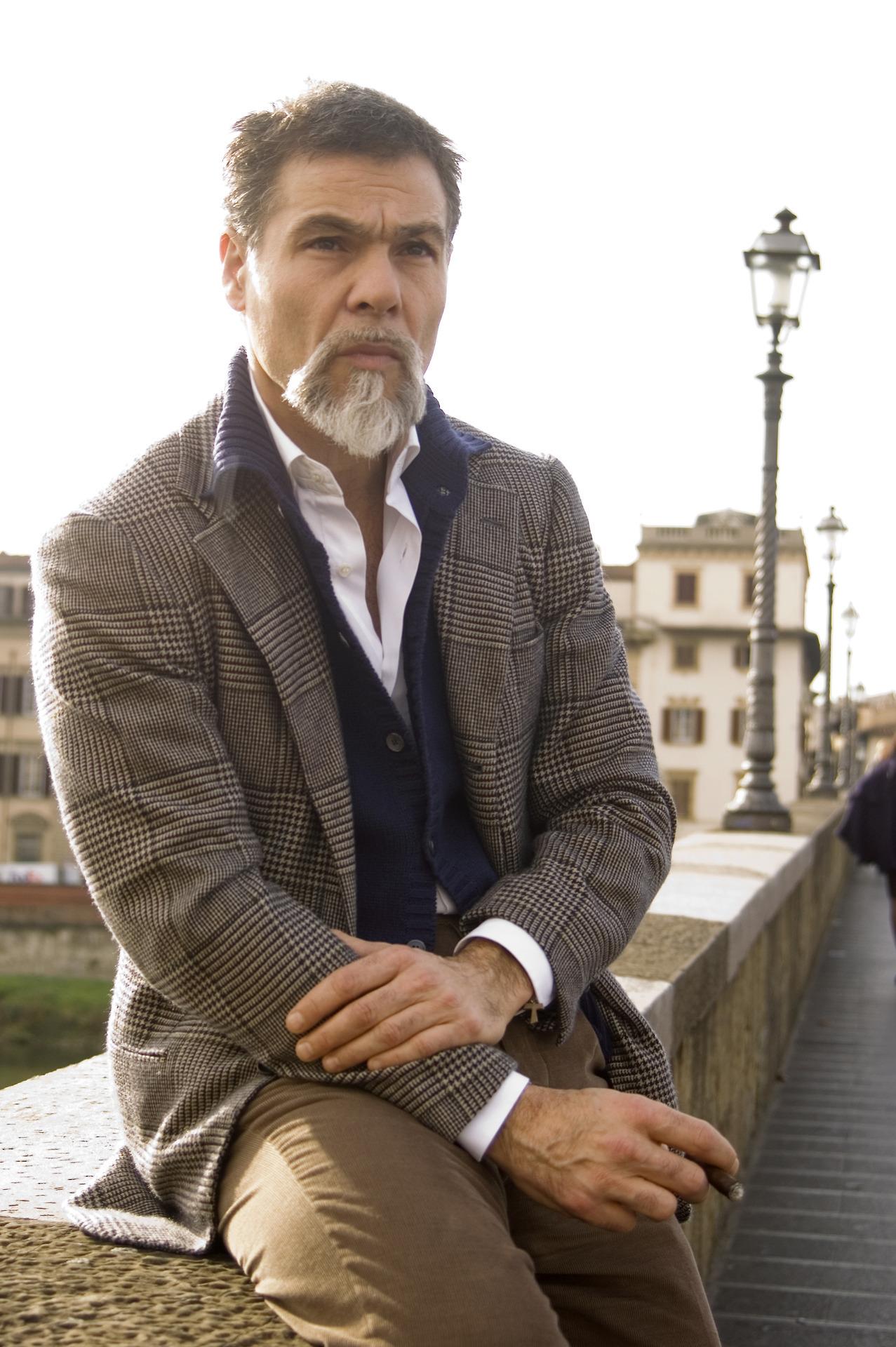 серый-пиджак-темно-синий-кардиган-белая-рубашка-с-длинным-рукавом-original-21834.jpg