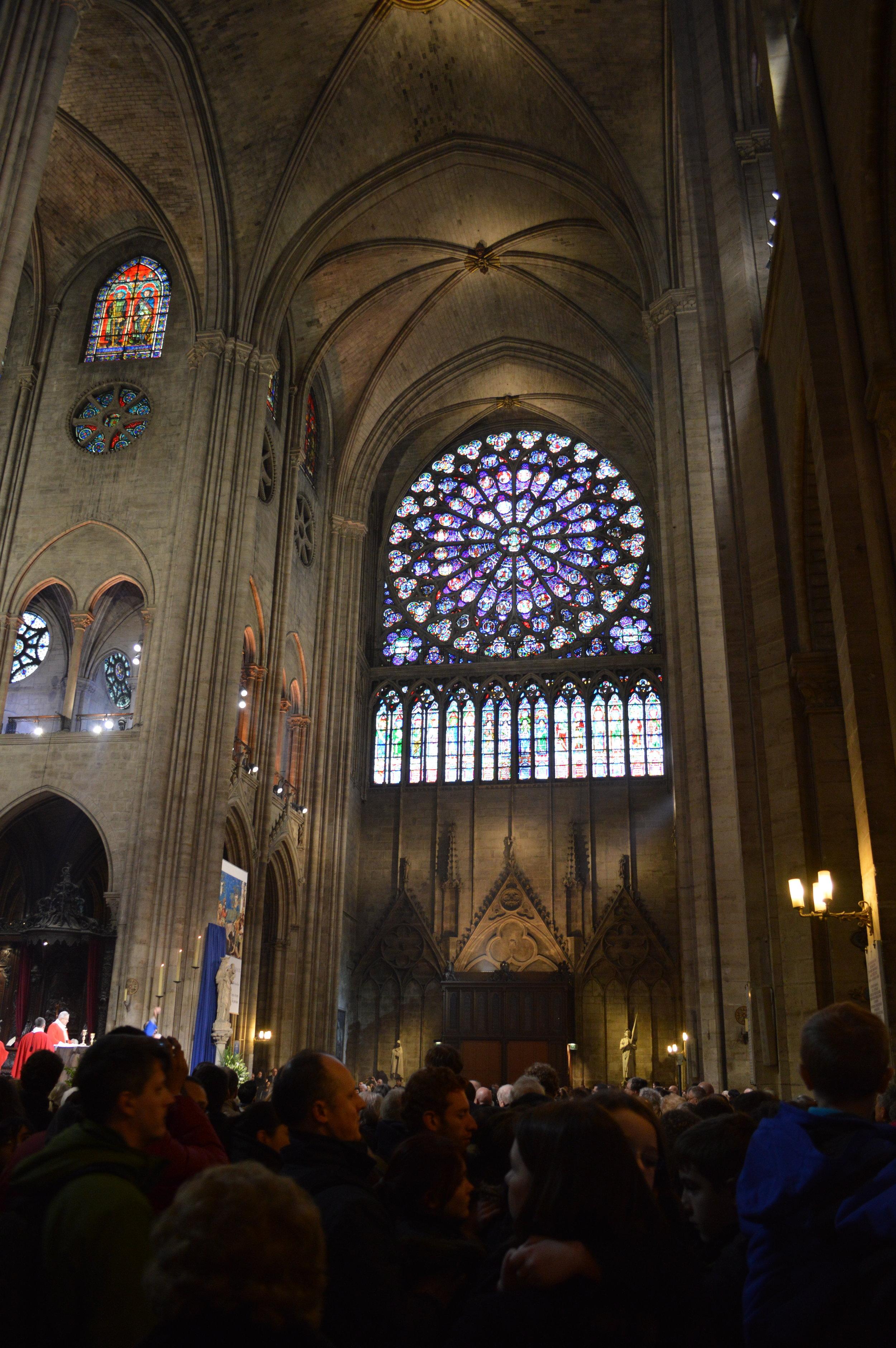 Notre Dame Paris int S Rose.jpg