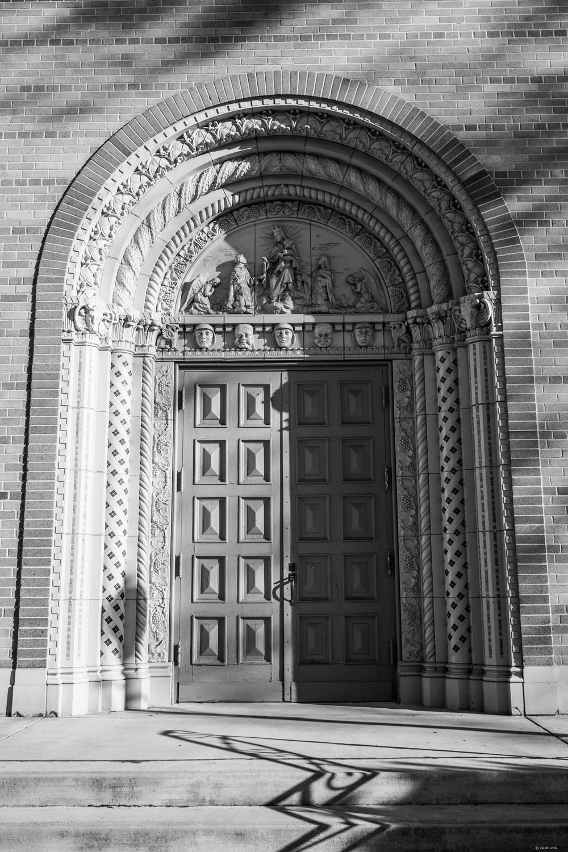 Church Door | 24mm, f/4, ISO 100, 1/400
