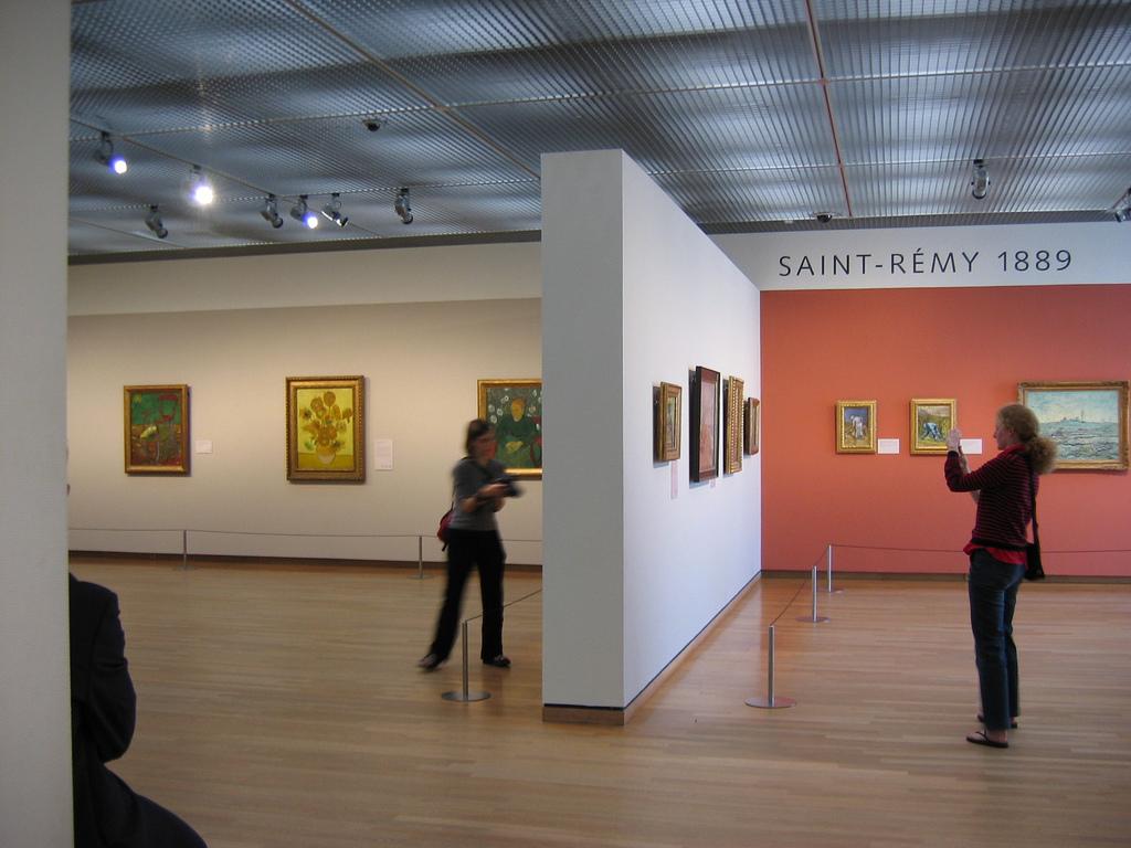 18 Van Goghmuseum-Amsterdam.jpg