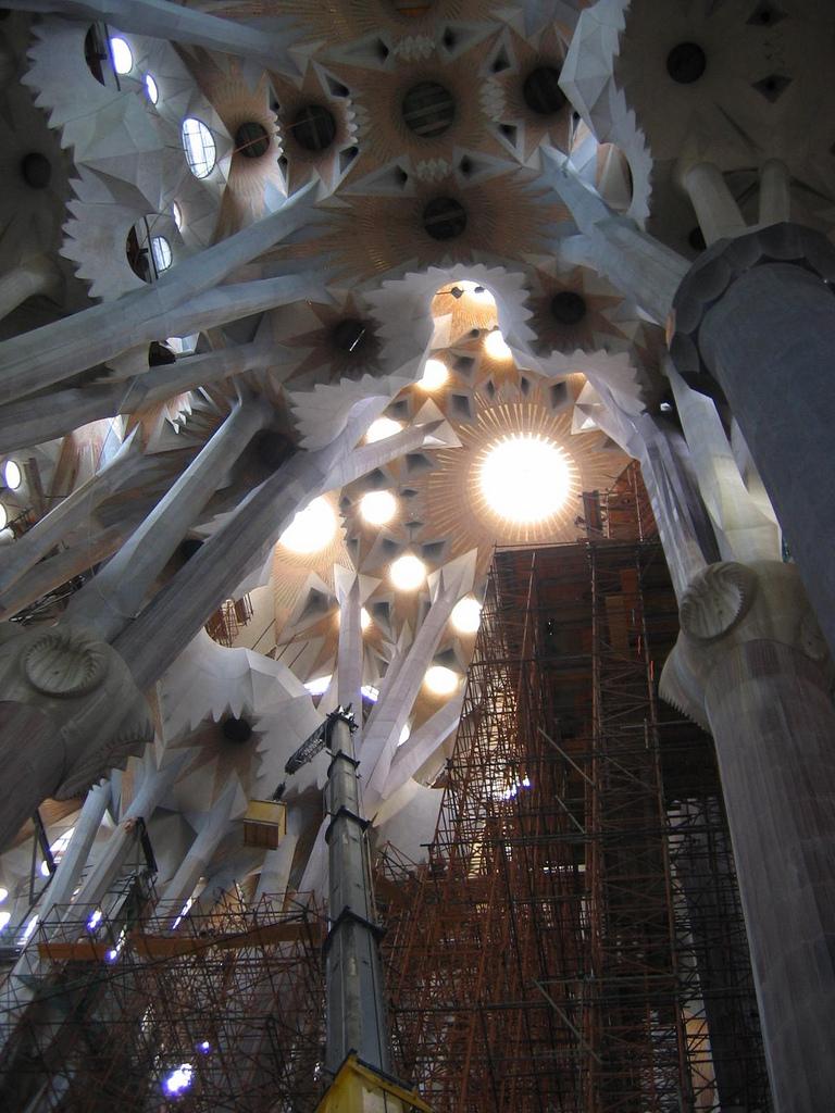 Barcelona-SagradaFamilia-gewelf2.jpg