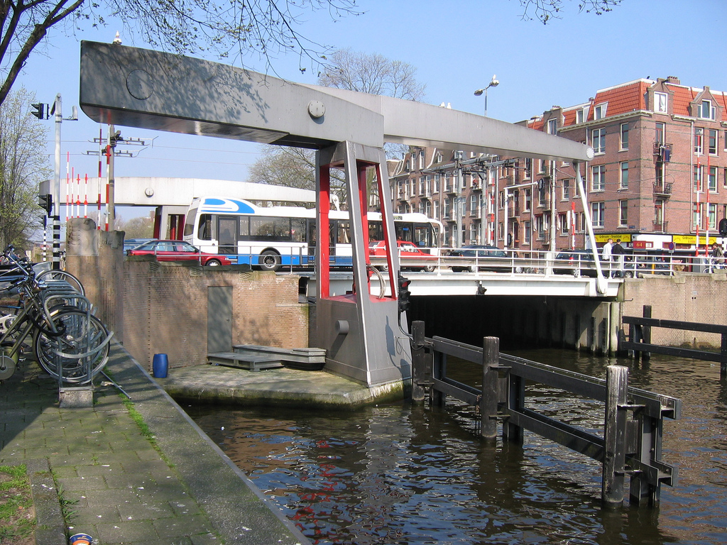 DvdA 2005 vouwblad 10.jpg