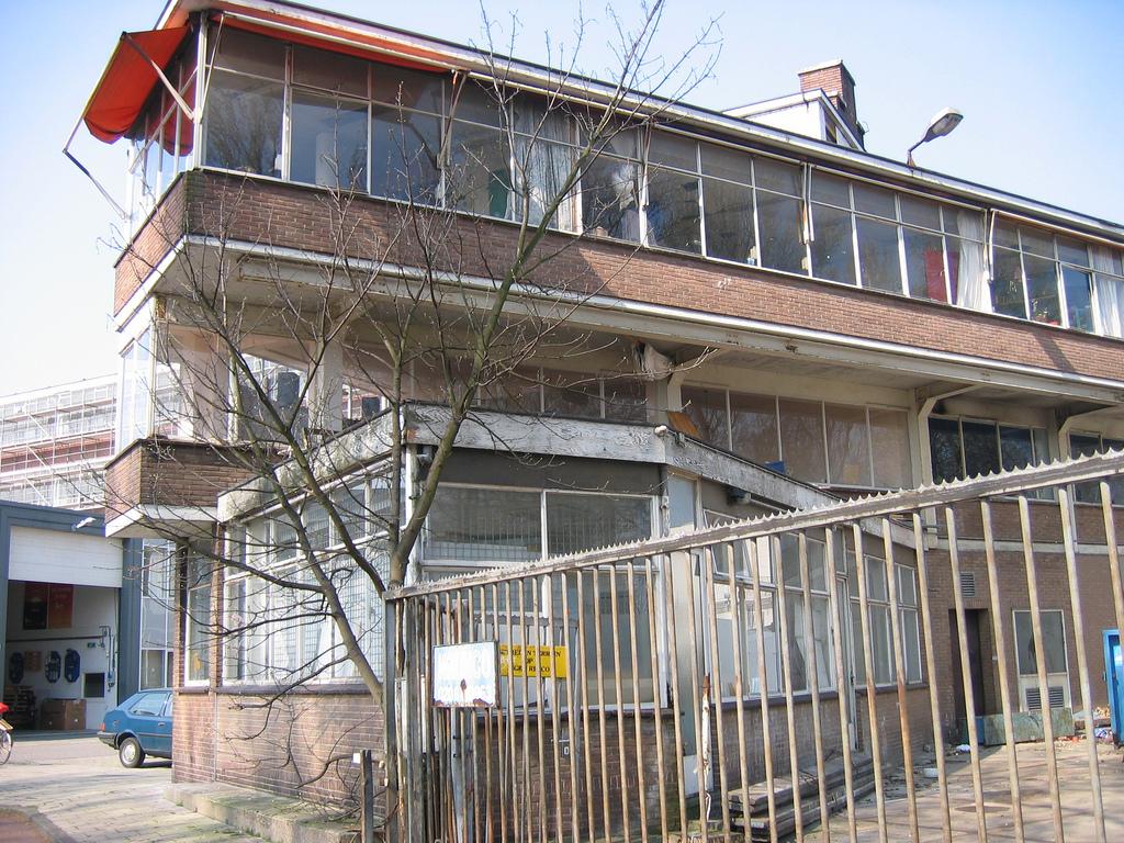DvdA 2005 vouwblad 13.jpg