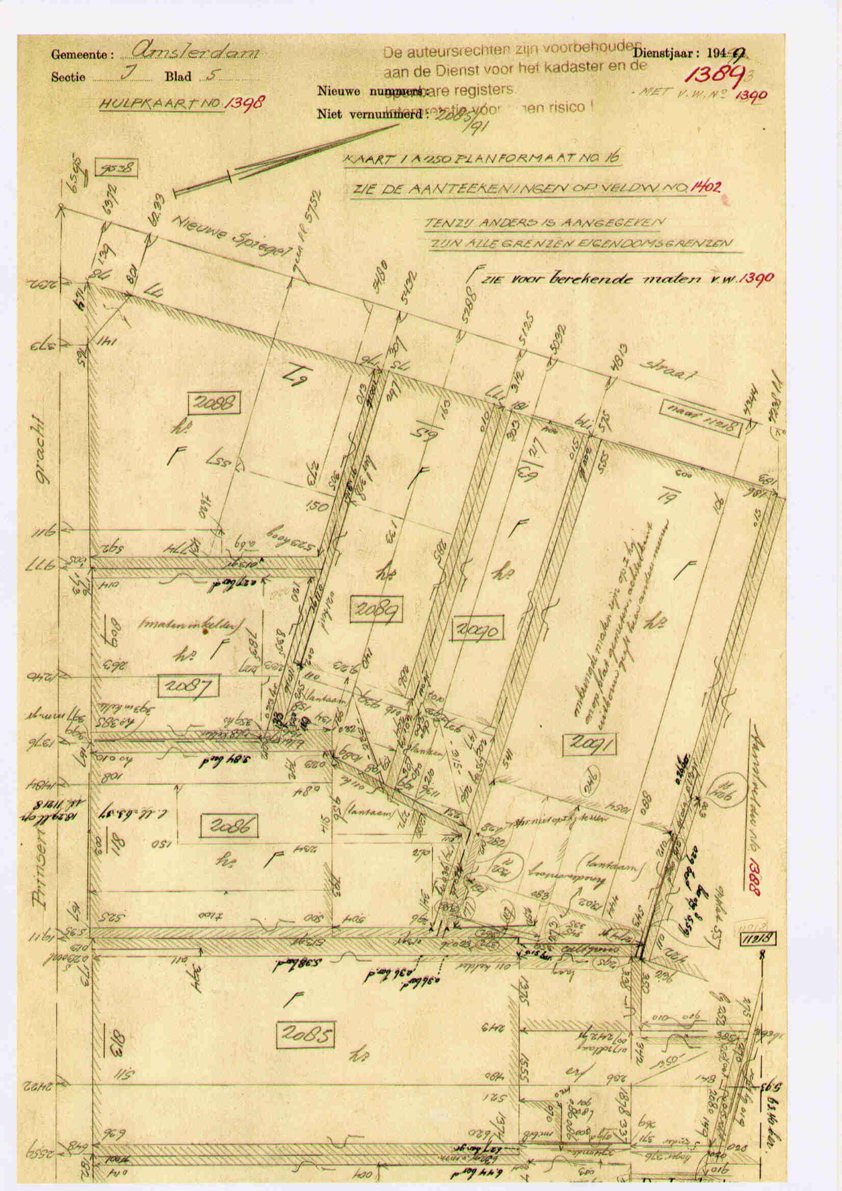 Veldwerk Prinsengracht 811 uit 1949 met de afmetingen van de bebouwing op maaiveldhoogte. No. 811 heeft vijf belendingen.