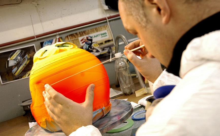 I could be painting your helmet in no time if you follow these proedure.