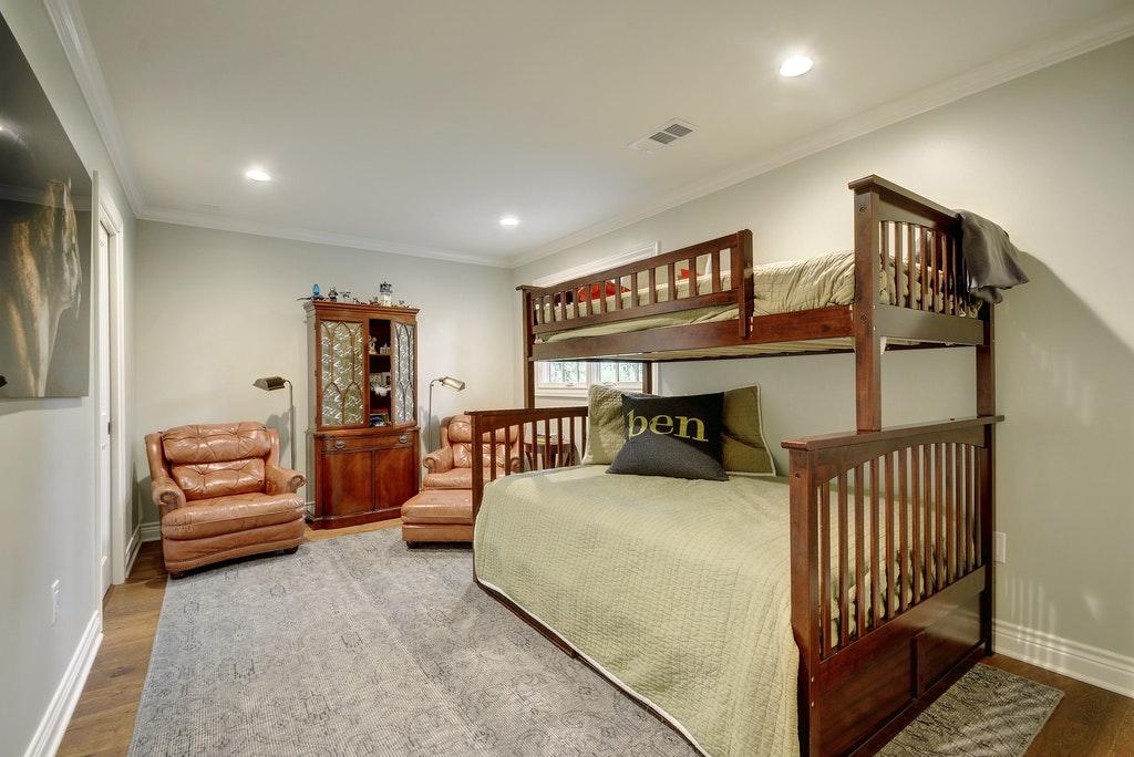 11 Kids Bedroom2.jpg