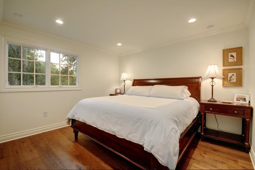 12 Guest room.jpg