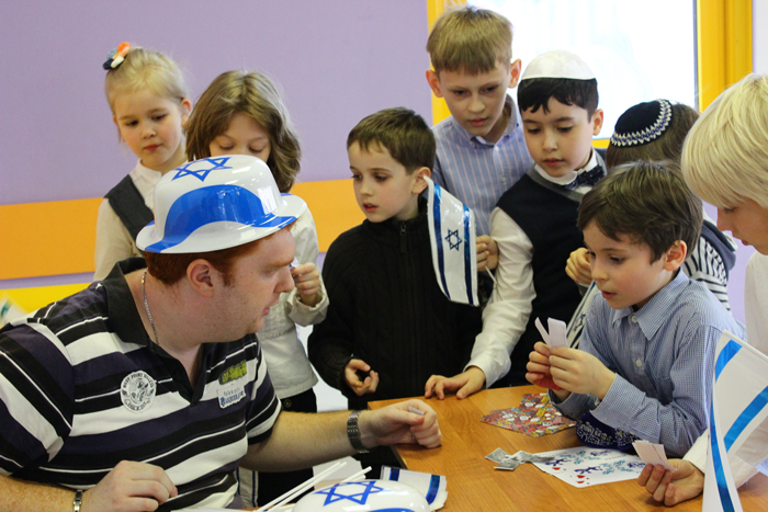 Lipman Jewish Day School, the first Jewish day school established after the fall of the Soviet Union 22 years ago, celebrates Yom HaAtzmaut. This event was organized by the Jewish Agency for Israel.