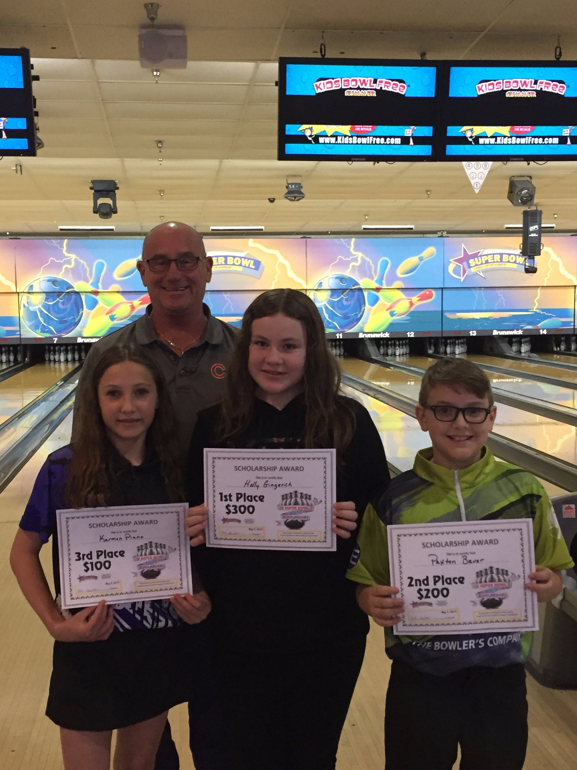 (L-R) Karmen Piano 3rd, Bob Stubler, Holly Gingerich 1st, Paxton Bauer 2nd.