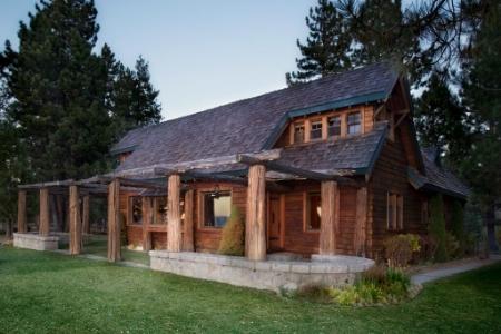 Twin Pines, Lake Tahoe CA // © toptenrealestatedeals.com