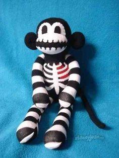 Halloween Theme Sock Puppets!!