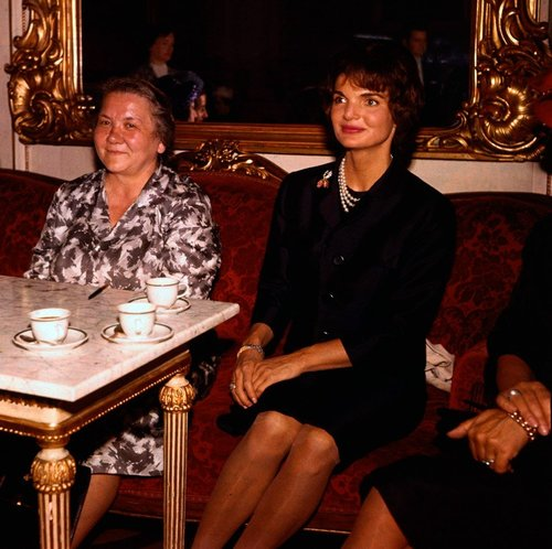 Jackie Kennedy and Nina Khruscheva meet for the first time in Vienna, 1961.